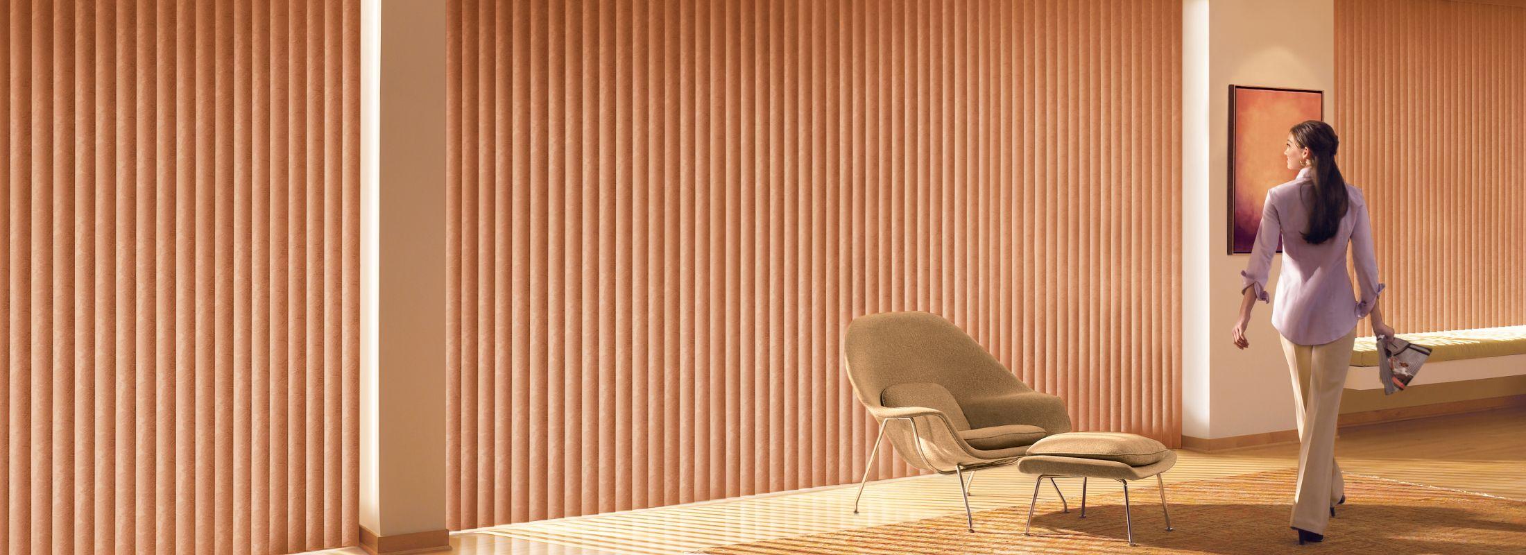 Aluminum blinds in Tremont Style Barnwood - Somner